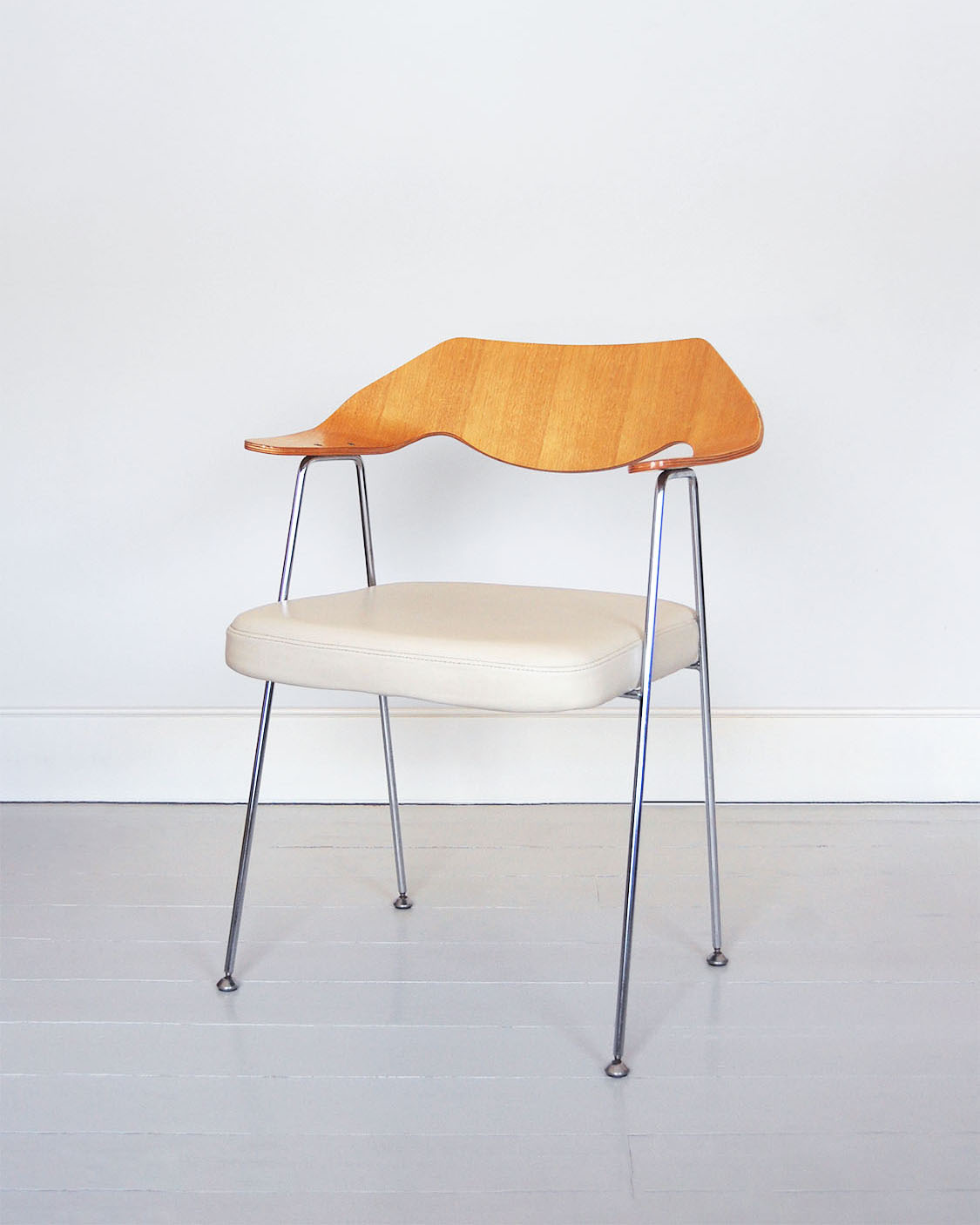 ardor archive robin day chairs